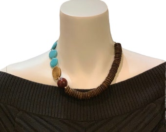 Turquoise Gemstones and Wood Necklace