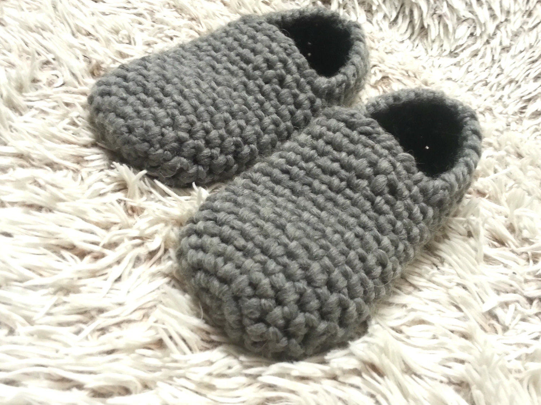 79796361bf260 Mens slippers,Crochet men slippers,Men wool slippers,Mens House  Slippers,Men House Shoes,Handmade Slippers,Gift for him,Boyfriend's gift