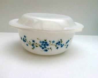 Vintage 1970s Arcopal casserole or ovendish veronica decor 22 cm