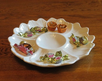 Vintage White Daisy Ceramic Dish