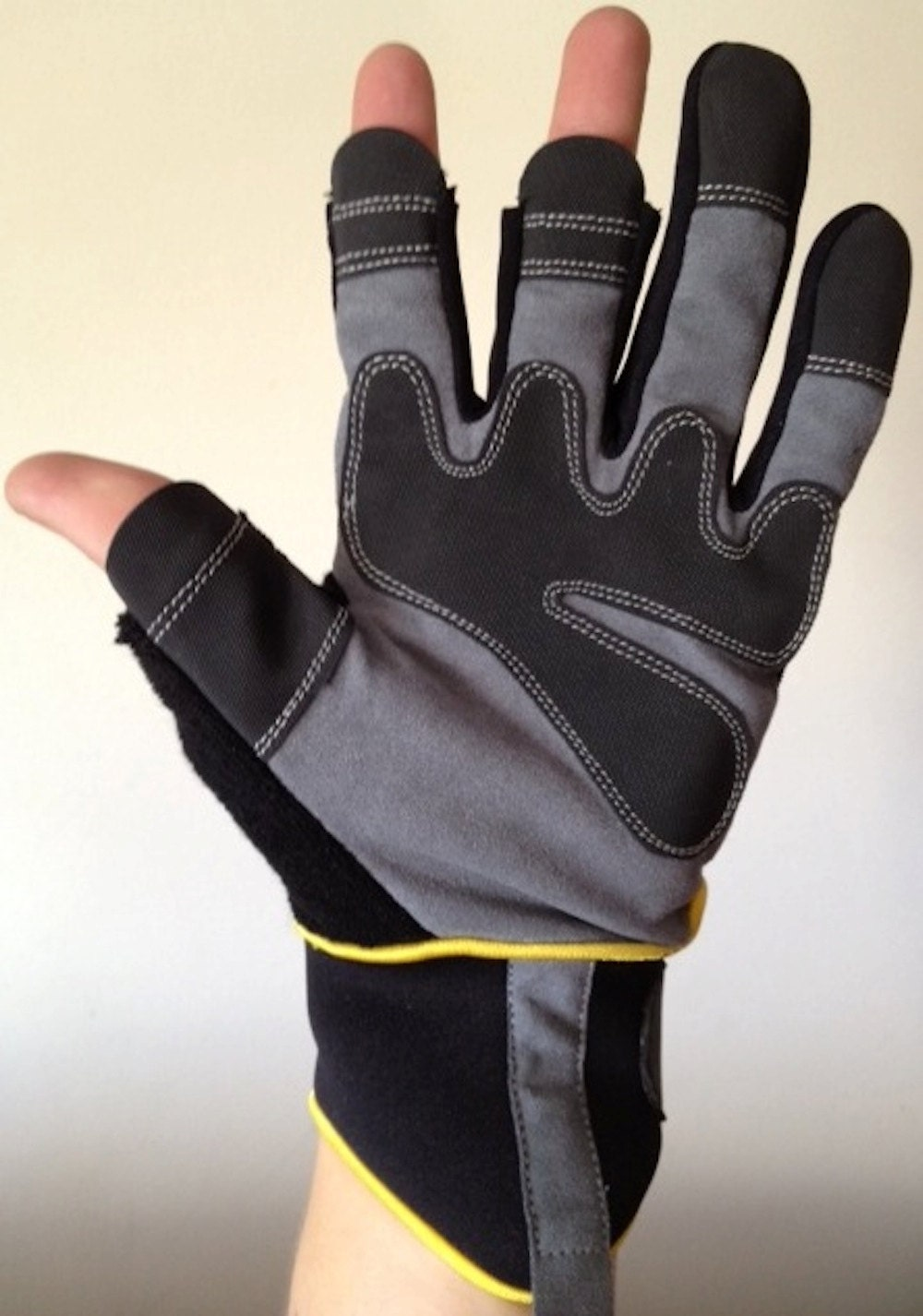 Fingerless Mechanics Gloves As Seen In The Daily Mirror