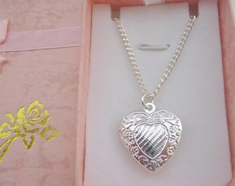 """Girls Locket Heart Necklace 20mm (3/4"""") on Silver Plated Chain Photo Locket for Child Kids Jewellery Gifts Stocking Stuffers Fillers"""