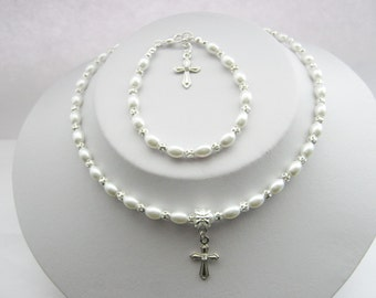 First Holy Communion Necklace and Bracelet Set - Confirmation Jewelry Set White Pearl Bead Cross Set in Gift Box Religious Jewelry Gifts