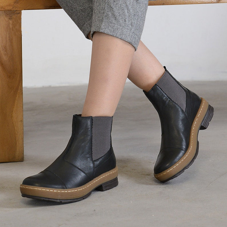 ecc76f62d34 Botines de cuero artesanal para mujeres zapatos de cuero | Etsy