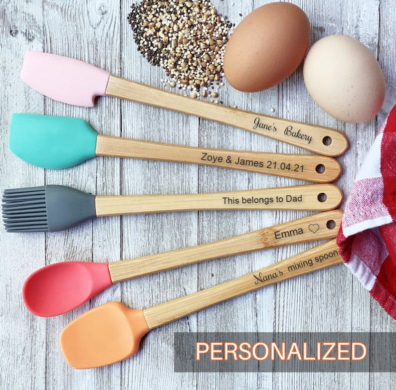 Personalized spatula engraved kitchen utensils Mother's image 0