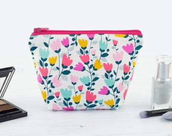 Sweet Tulips Mini Makeup Bag
