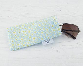 Glasses Case - Blue Daisy Flower