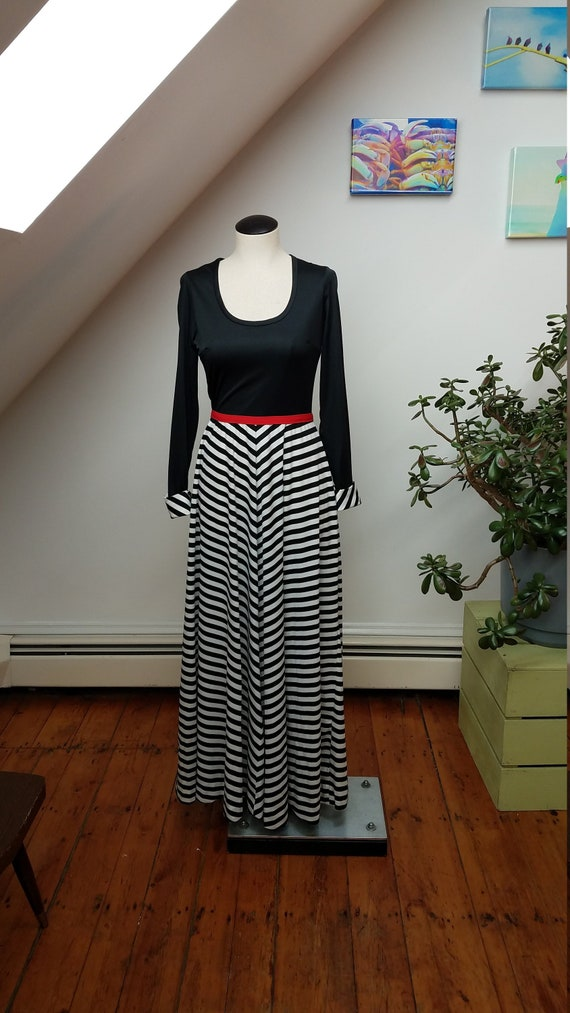 Vintage 60's  Mod / Black and White Striped Long S