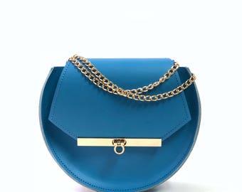 Loel mini military bee chain bag clutch in nebulas blue