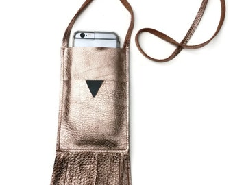 Crossbody Phone Bag in Metallic Blush
