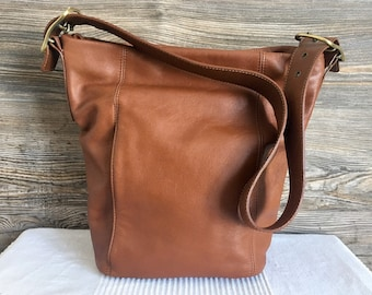 358f0f87b06d Vintage ST JOHN S BAY Brown Leather Hobo Shoulder Bag Purse