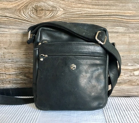 79dbdd01966b Vintage Italian Designer VALENTINA Black Leather Crossbody Travel Shoulder  Bag Purse