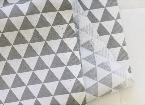 "Laminated Cotton Fabric 0.66/"" 1.7cm Mini Triangle Mint By The Yard"