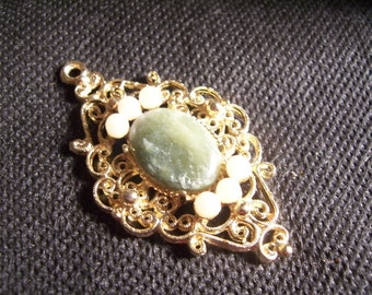 Vintage Green & Gold Earth Stone Pendant