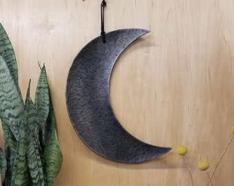 Hand forged crescent moon - Crescent moon wall art - Moon phase metal art