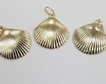 14k Gold Filled Charm Clam Shell, 15mm, Shell Charm, USA