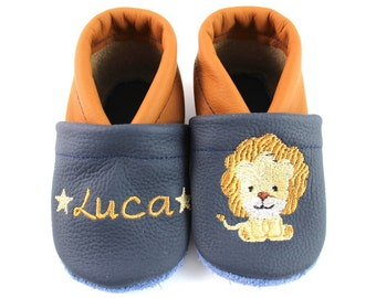 Crab shoes with name and lion