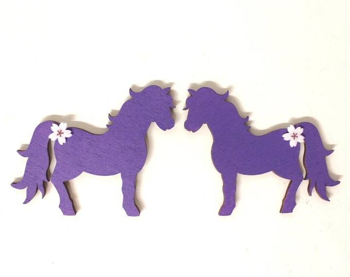 2 ponies matching wooden letters