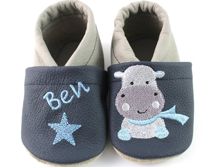 Crawlshoes with name and hippo