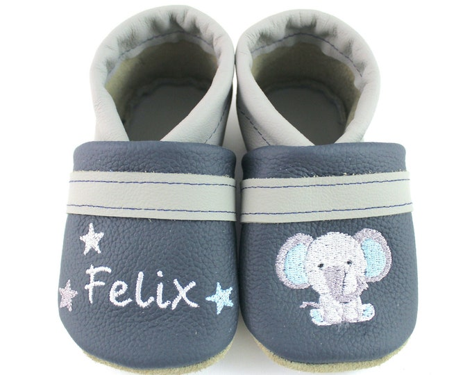Crawling shoes with name and elephant