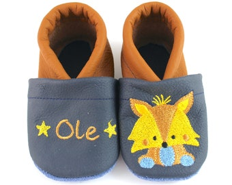 Crawling shoes with name and fox