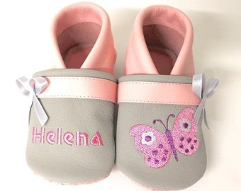 Crawling shoes with names