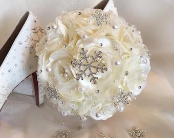 Snowflake Bouquet, Snowflake Bridesmaid Bouquet, Bridesmaids Bouquet, Fantasy Wedding, Choose Your Accent Color