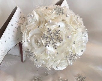 Snowflake Bouquet, Bridesmaid Bouquet, Snowflake Bouquets, Fantasy Wedding Bouquet, Snowflake Brooch Bouquet, Choose Your Accent Color