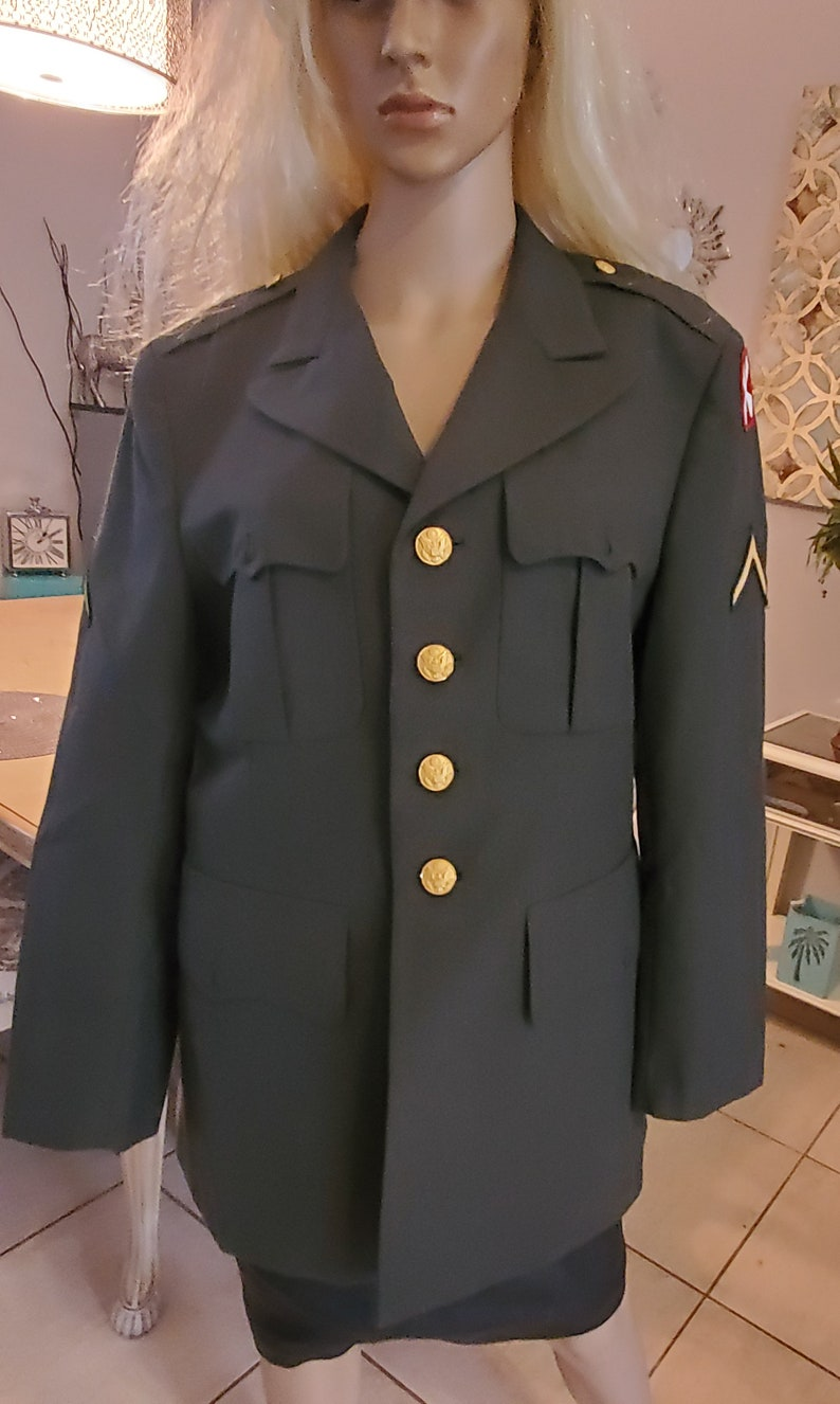 Vintage Army jacket for costume or wear for fun.