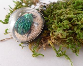 Necklace embroidered TERRARIUM, green beetle, hand embroidery, embroidery,woodland necklace,terrarium necklace,botanical,glass locket