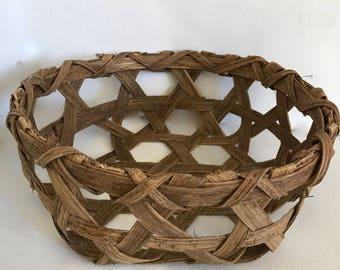 Vintage woven bread basket natural woven basket centerpiece Easter basket serving piece