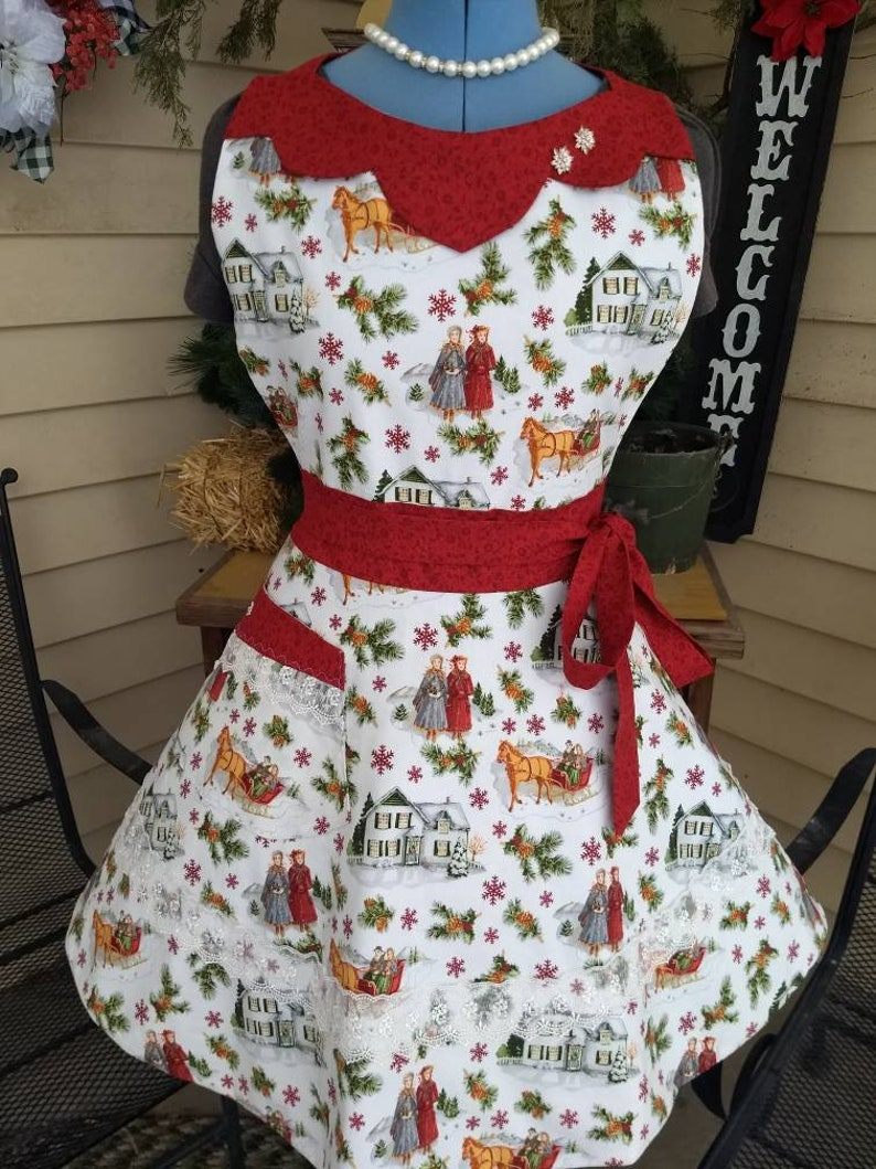 Winter with Anne Apron Feminine and Beautiful image 0