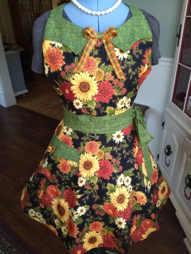 Country Autumn Apron Feminine and Beautiful image 0