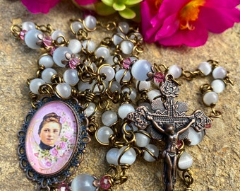 Beautiful St. Therese the Little Flower Wire Wrapped Rosary! Lovely, Durable...