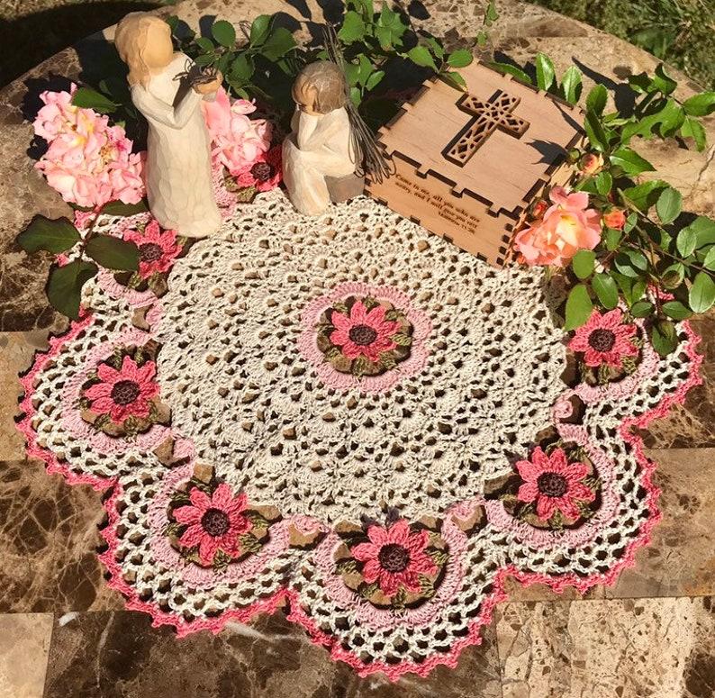 Rosie's Posies Elegant Hand-Crocheted Doily image 0