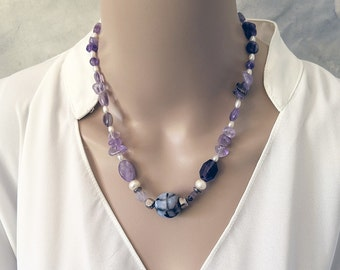 Handmade amethyst and white pearls necklace