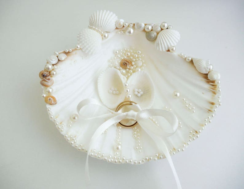 Sea shell ring houder Wedding Ring Holder Sea shell Ring image 0