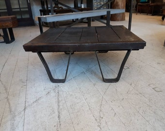 Vintage industrial cast iron and wood brick layers pallet coffee table