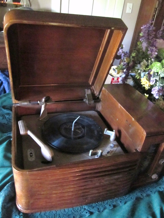 1948 Philco Radio Phonograph 48 1256