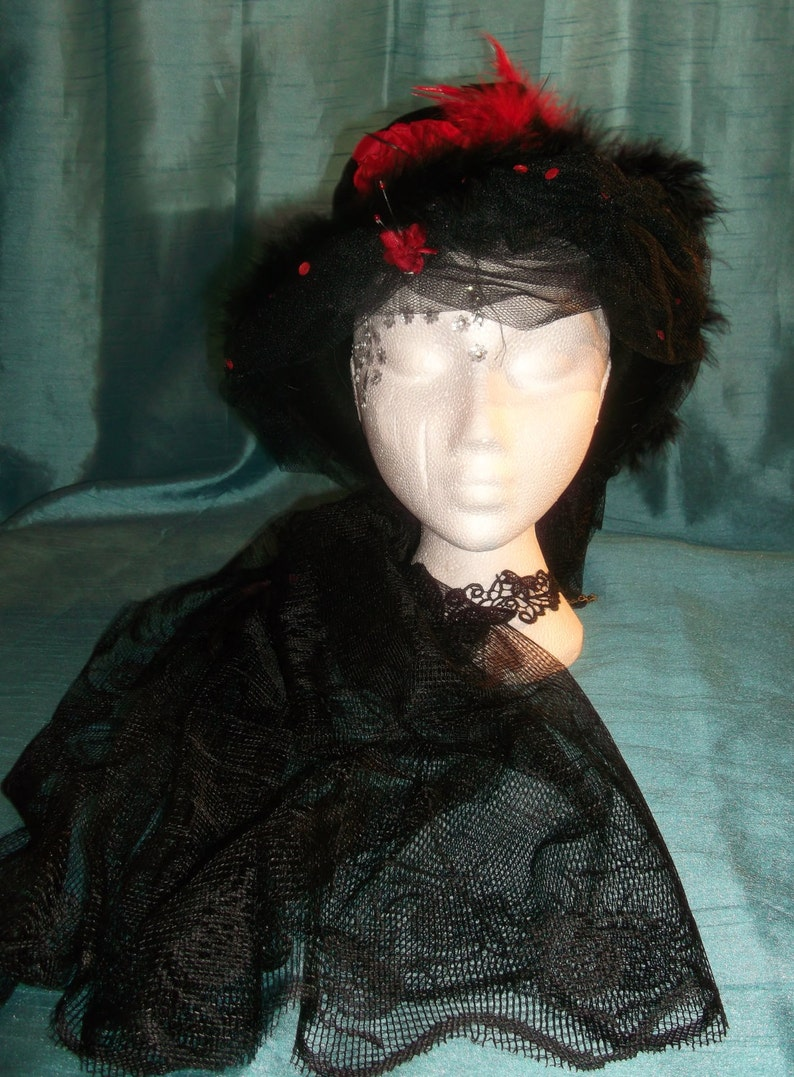 embellishments Bespoke.SteamPunk rounded velvet tophat-black/&red feathers