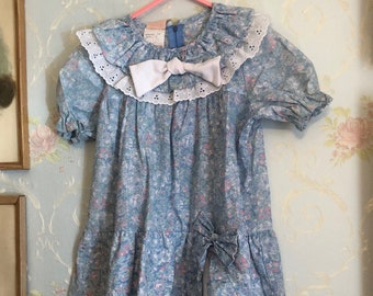 Vintage 1980s Girls Blue Floral Lace Drop Waist Dress! Size 5