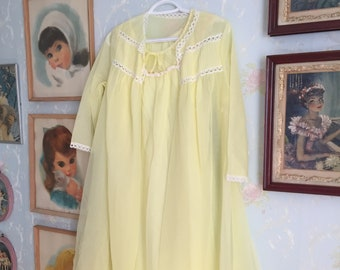 Vintage 1960s Women's Yellow Lace Chiffon Sheer Nightgown Robe Lingerie Set! Size S