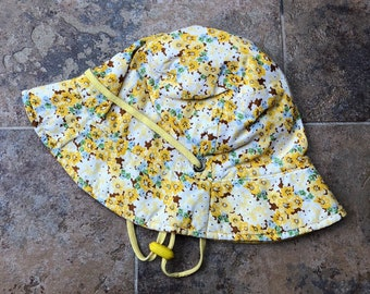 Vintage 1990s 90s Girls Yellow Floral Cotton Sun Bucket Hat! Size 5-7 a7e9f4c47bd