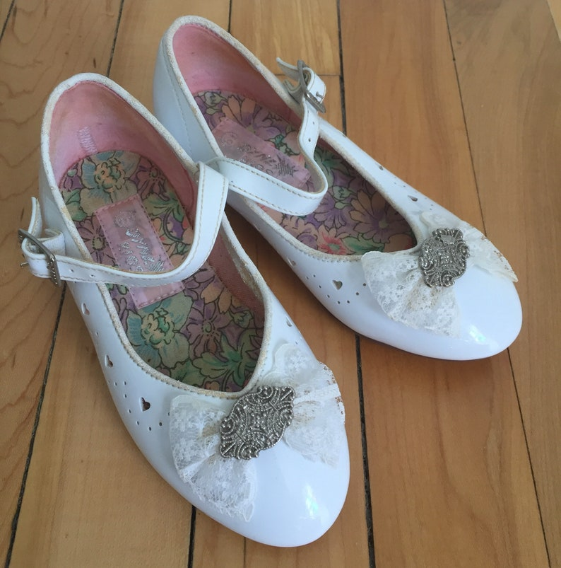03efc4bd41d4b Vintage 1990s Toddler Girls White Patent Leather Bow Heart Mary Janes Dress  Shoes! Size 6.5