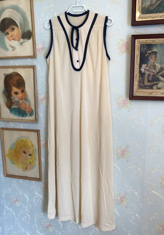 21640bfee05d Vintage 1970s 70s Women s Ivory Blue Long Satin Polyester