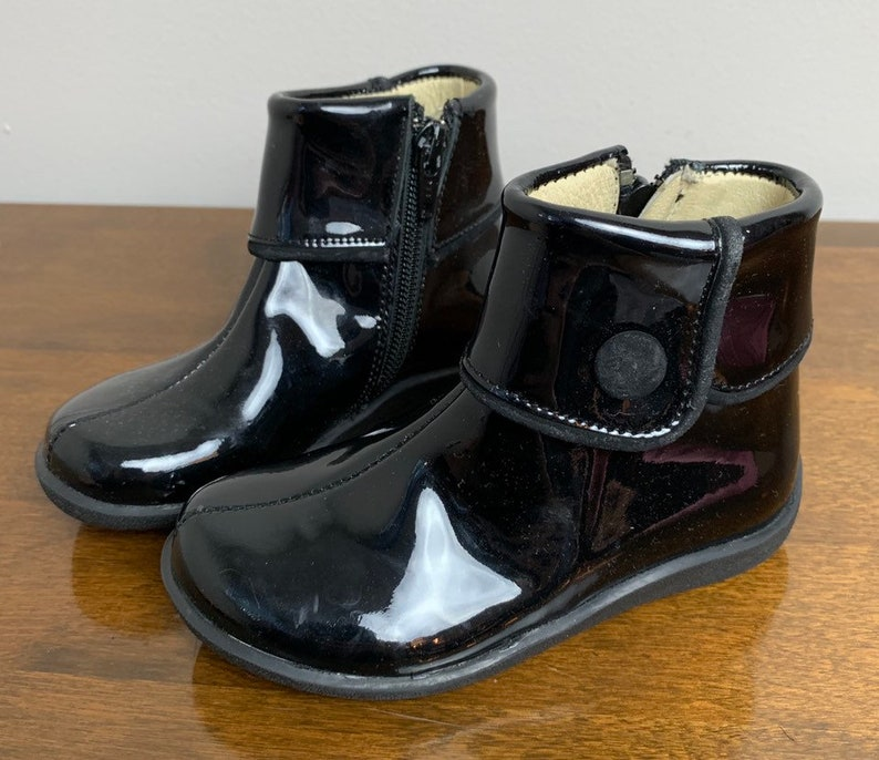 Size 8.5 Toddler Girls Black Patent Leather Aster Button Ankle Boots