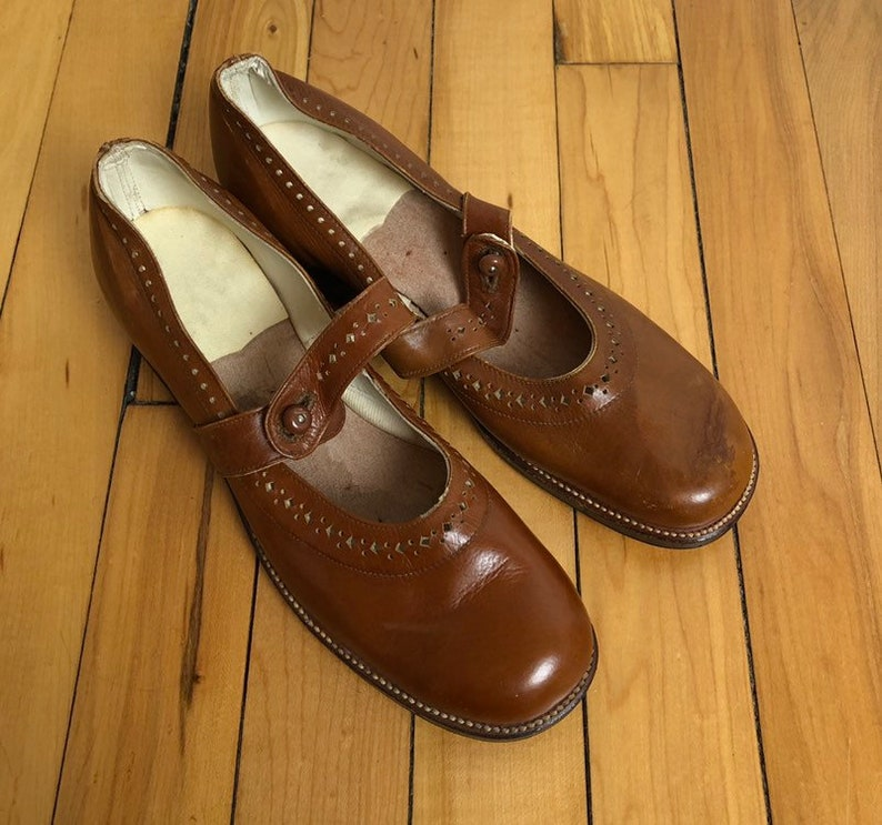 574299fecf5ad Vintage 1960s 60s Girls Brown Leather Button Mary Janes Jane Dress Shoes!  Size US 1