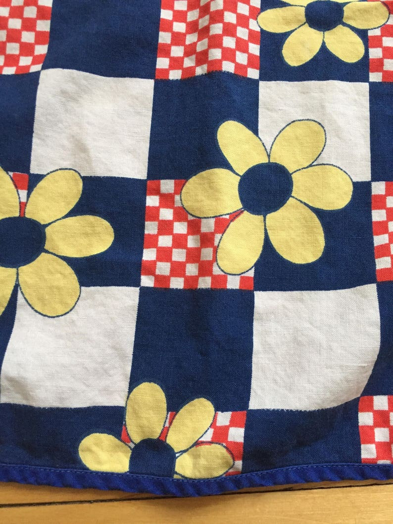 Vintage 1950s Checker Floral Full Apron!
