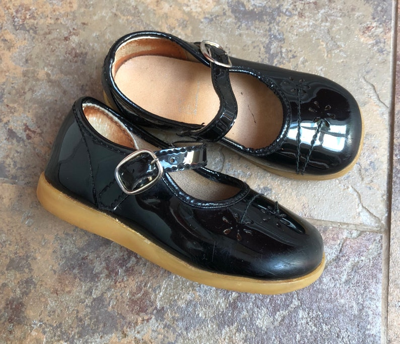 b63d3aa6b09a4 Vintage 1980s 80s Baby Infant Girls Black Patent Leather Floral Mary Jane  Janes Dress Shoes!