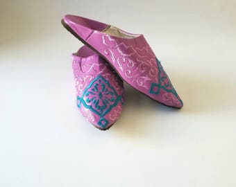 Moroccan slippers,women slippers,women shoes,Moroccan babouche, Beach sandals - FREE Shipping in the United States.